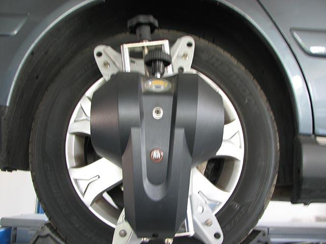 Masina pe rampa 1 - geometrie 3D roti - Auto AS International