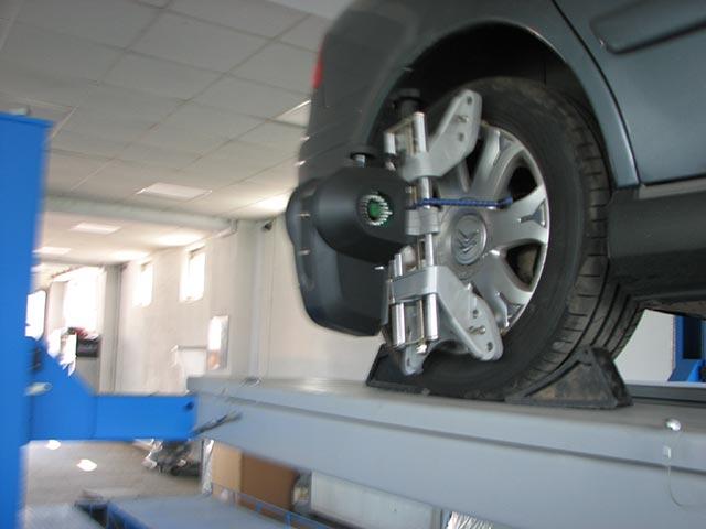 Masina pe rampa 3 - geometrie 3D roti - Auto AS International