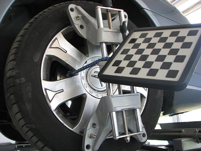 Masina pe rampa 4 - geometrie 3D roti - Auto AS International
